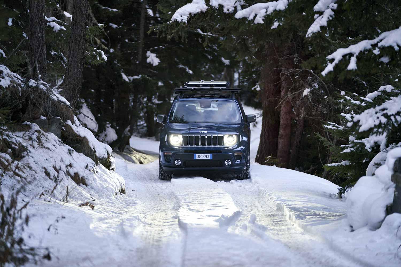 kien-jeep-4xe-winterpret
