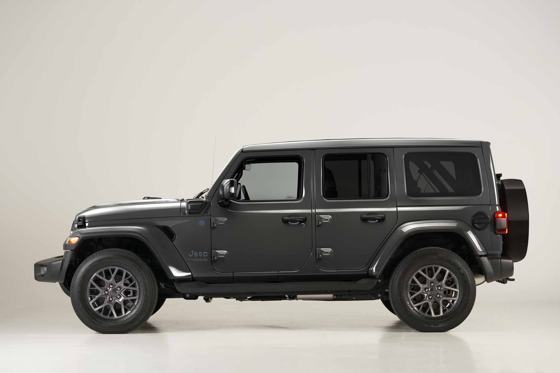 kien-jeep-wrangler-4xe-first-edition
